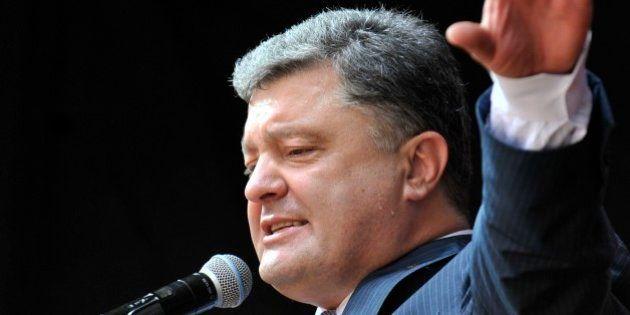 ウクライナ大統領選「チョコレート王」の当選有力視 実業家のペトロ・ポロシェンコ氏