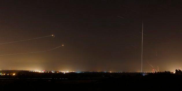 ガザ空爆をイスラエルが再開、パレスチナ側のロケット弾攻撃に報復