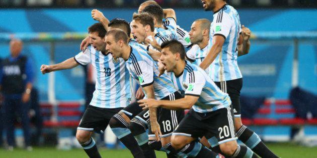 SAO PAULO, BRAZIL - JULY 09: Lionel Messi, Pablo Zabaleta, Martin Demichelis, Marcos Rojo, Lucas Biglia,...