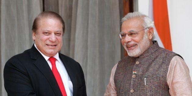 インドとパキスタンが首脳会談 モディ新首相、武装勢力への対処を求める