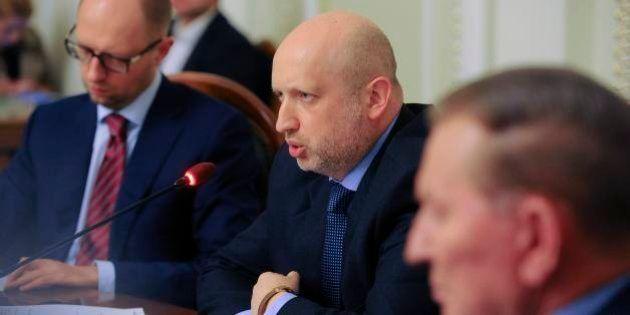 ウクライナが国民対話図る円卓会議開催 東部の分離派は招かれず
