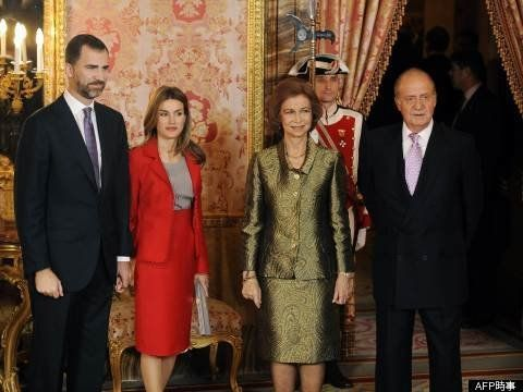 スペイン国王フアン・カルロス1世、異例の退位 スキャンダル続きで決断か