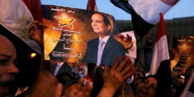 エジプト大統領選、シシ前国防相が圧勝か 正当性には疑問も