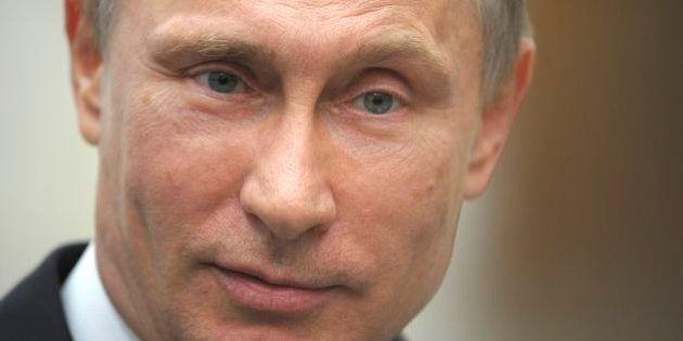 プーチン氏、大統領就任から10年 驚異の支持率8割はいつまで続く?