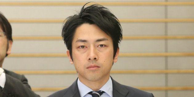 「美味しんぼ」を小泉進次郎氏が批判 環境省「除染効果は確認している」
