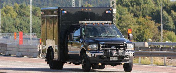 オバマ大統領の来日で交通規制 数百メートルに及ぶ「国賓」の車列とは【画像・動画】