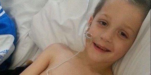 余命わずか 4歳の少年が最期に望んだ「お葬式」【写真】