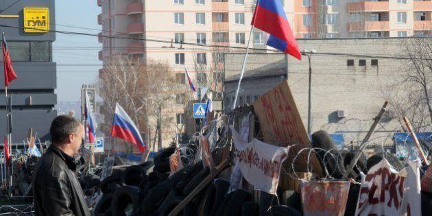 ウクライナ、東部で親ロシア派の強制排除を開始 大統領代行が発表