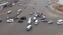 信号がないエチオピアの交差点が危険【動画】