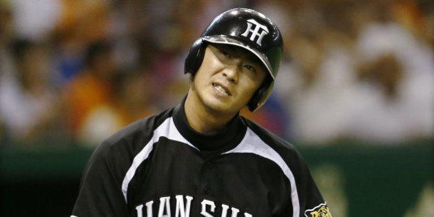 阪神・西岡剛、肋骨骨折が判明 登録抹消、長期離脱も