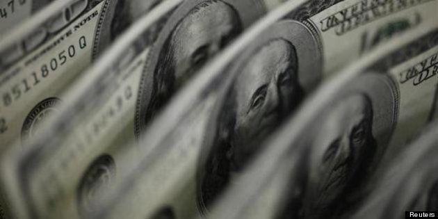 ドルが100.68円まで下落