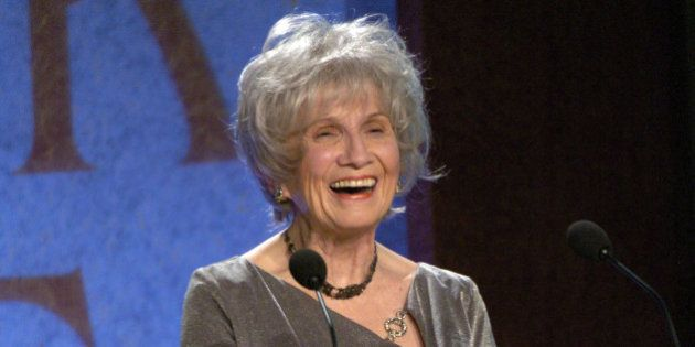 Alice Munro accepts the 2004 Giller Prize for her collection of short stories entitled, 'Runaway' Thursday...