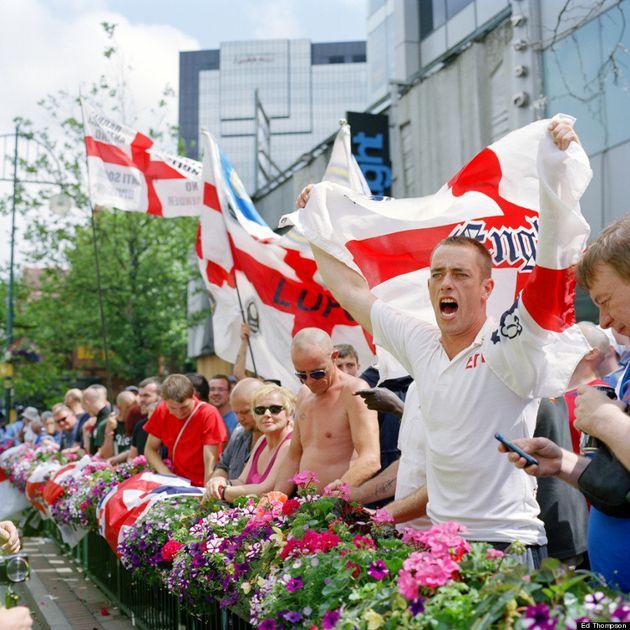 イギリス極右団体「イングランド防衛同盟」(EDL)の実像 /