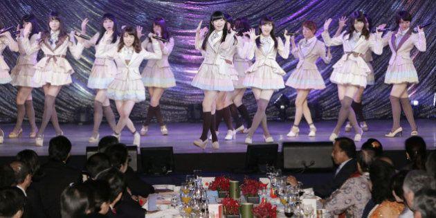 AKBがASEAN首脳の前でダンス「北朝鮮の喜び組のようだ」非難の声も