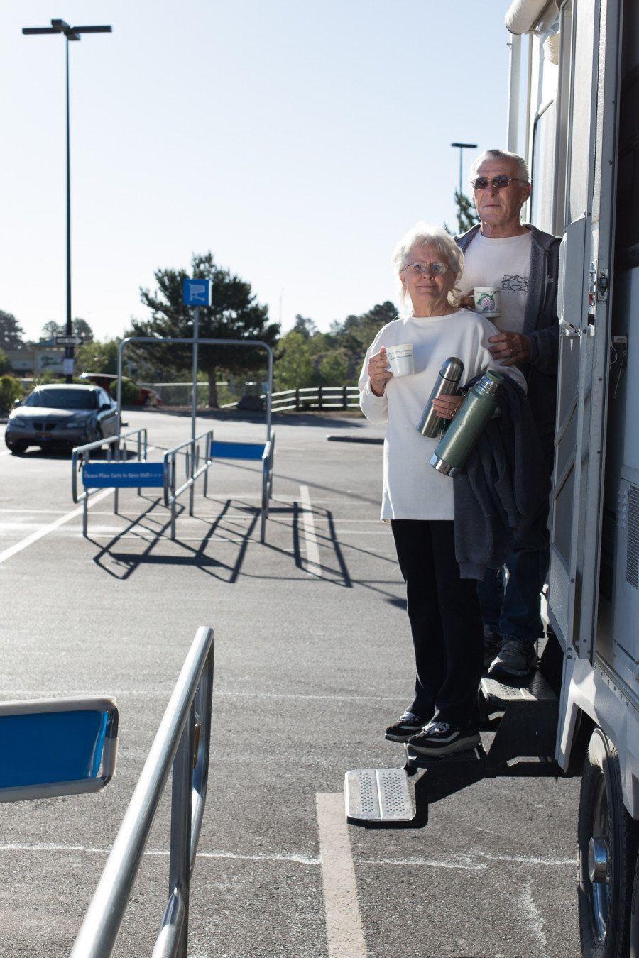 ウォルマートの駐車場に泊まる、現代のノマドたち