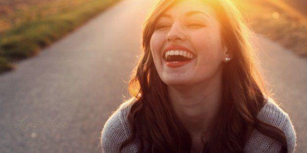 幸福感を人に伝染させる4つの感情