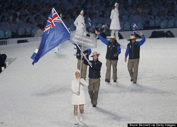 ケイマン諸島の選手が凄すぎる 短パンにビーサンでソチオリンピック開会式ににこやかに参加