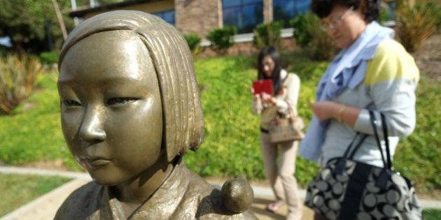 TO GO WITH AFP STORY US-SKOREA-JAPAN-EDUCATION-DIPLOMACY-POLITICS BY SHAUN TANDONKorean women of Los...