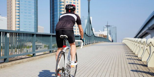 舛添要一知事「自転車レーン整備」「365日ホコ天」に意欲的
