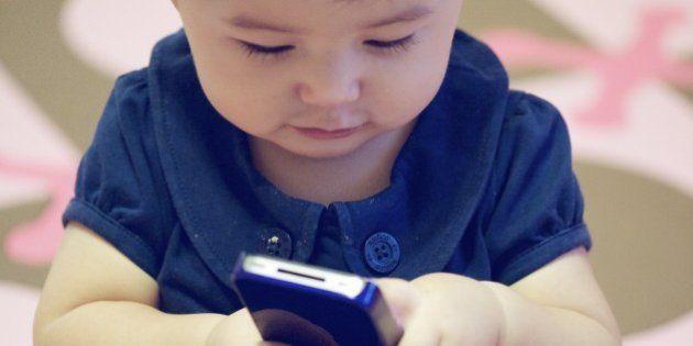 1歳児の74%がスマホを利用
