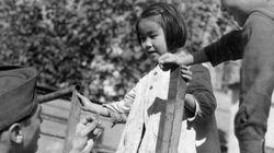 1945年。終戦直後の日本の人々の姿をカメラが捉えた(画像)