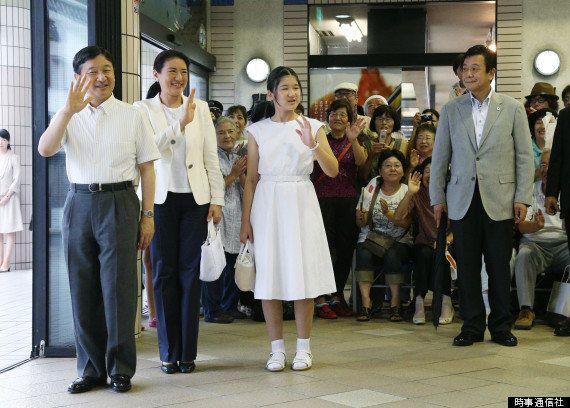 皇太子ご一家、静岡の須崎御用邸で静養 愛子さまも笑顔