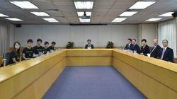 香港デモ継続へ 学生団体と政府幹部の初対話は物別れ