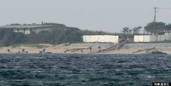 【普天間移設】辺野古沖、海底調査へ向け防衛省がブイ設置 反対派は洋上で抗議