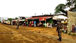 【エボラ出血熱】リベリアの隔離施設を群衆が襲撃、患者連れ去る