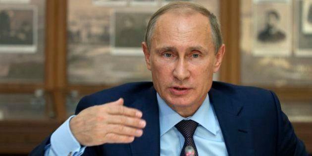 プーチン氏の訪日、「総合的に判断」と菅義偉官房長官 ロシア外相は「訪日に変更ない」