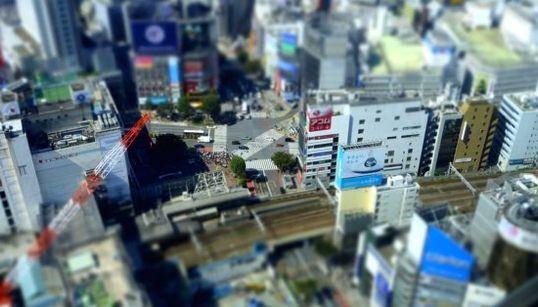 渋谷ヒカリエから見下ろしたミニチュア&タイムラプス動画がグッとくる