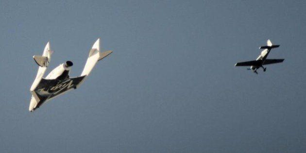 民間の宇宙船が試験飛行中に墜落、1人死亡 アメリカ