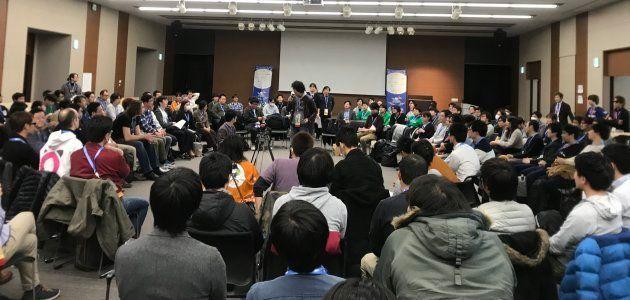 OSTでは最初に相談を持ち込みたい人が、自分の課題を参加者全員の前でアピールし、相談のセッションに参加してくれる人を募集する。
