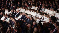 アメリカの女性国会議員ら、トランプ大統領に白スーツで「対抗」