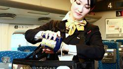 たっぷりの泡が乗ったビールを新幹線で ビール販売数減少に一手