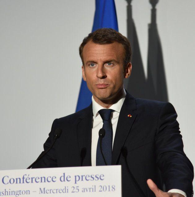 2018年4月、ワシントンで記者会見するフランスのマクロン大統領