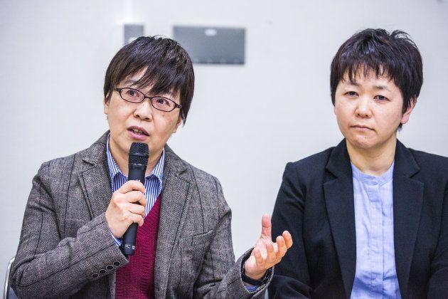 鳩貝啓美さん(左)と河智志乃さん。