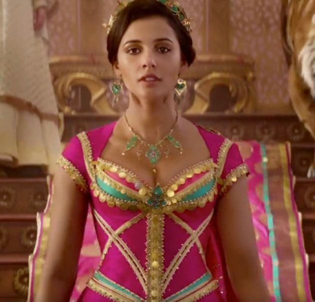 ナオミ・スコットさん扮するジャスミン王女