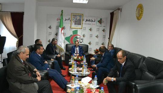 13 partis soutiennent la conférence nationale