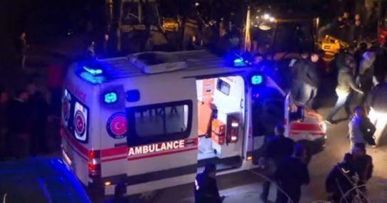 14 οι νεκροί από την ανατροπή λεωφορείου στη Βόρεια