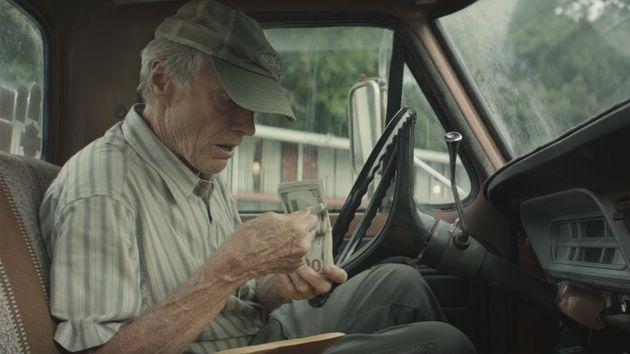 Clint Eastwood interpreta homem heterossexual branco que está acima de qualquer