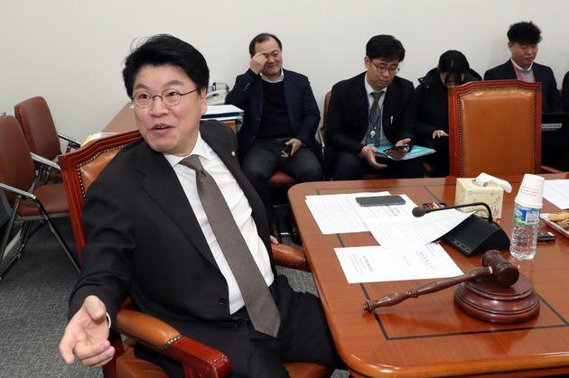 문재인 대통령이 자유한국당 장제원 의원 위한 '박수'를