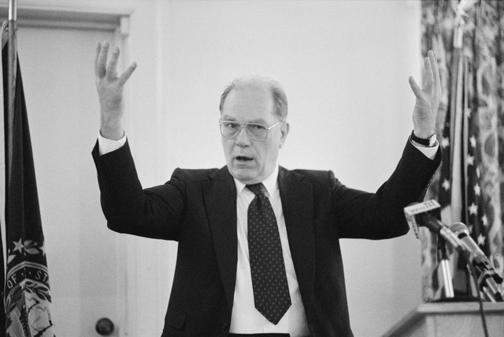 Lyndon LaRouche holding a press conference in 1987