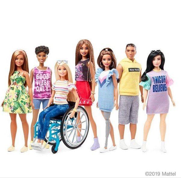 義足や車椅子、障がいがあるバービーが登場 アメリカで6月に発売