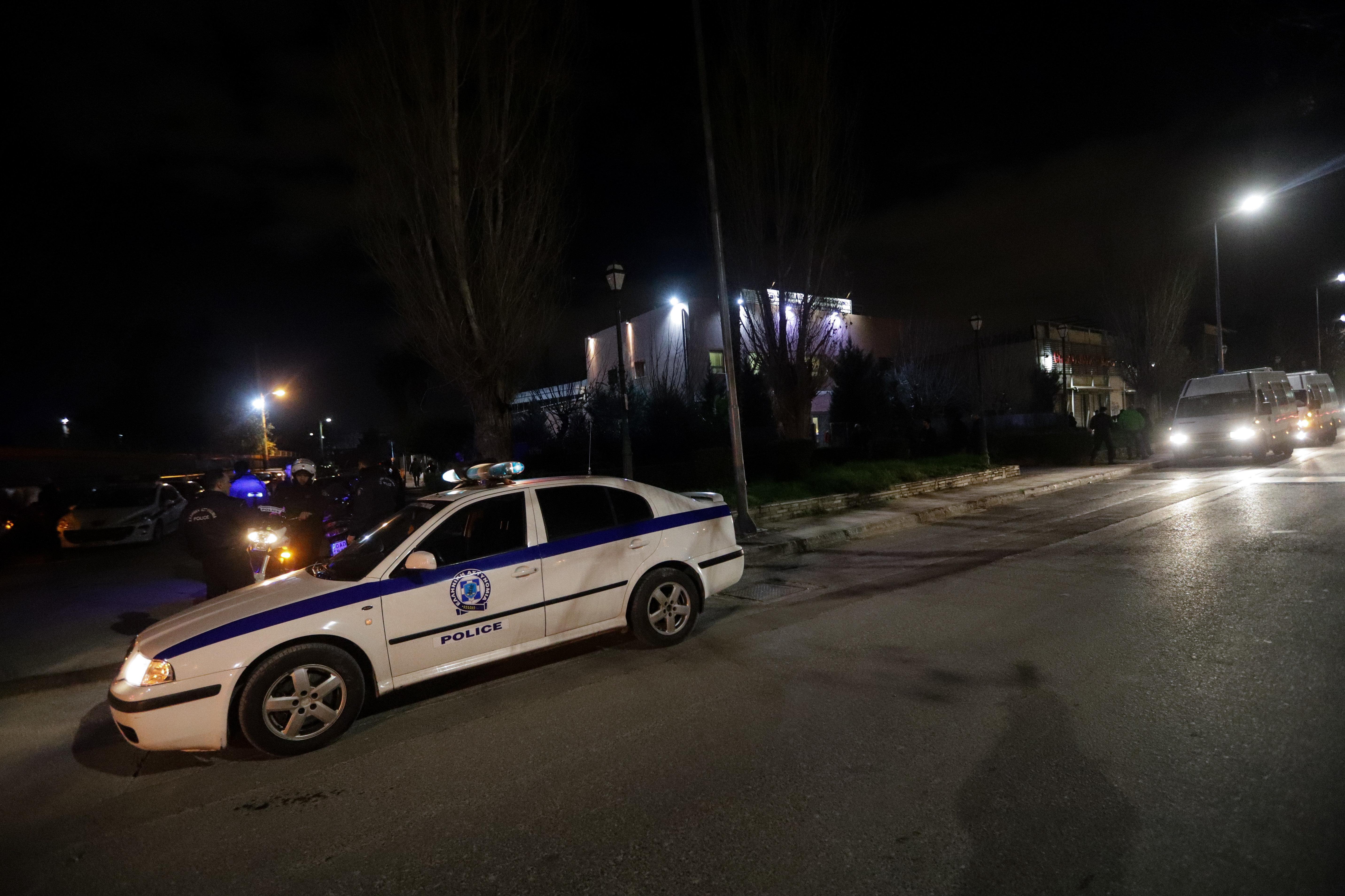 Ανταλλαγή πυροβολισμών μεταξύ αστυνομικών και διαρρηκτών στο