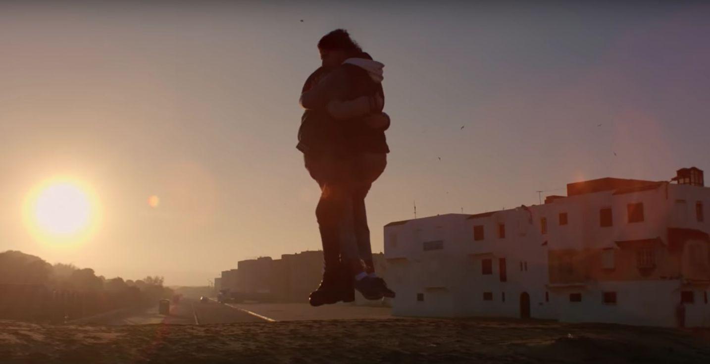 Cette chanson, dont le clip a été tourné à Essaouira, a été écoutée plus de 800.000 fois sur