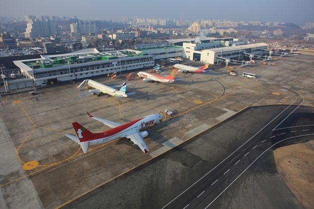 동남권 신공항 사업은 다시 혼란에 빠진