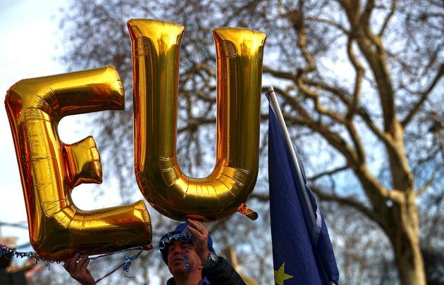 Πόσο πιθανό είναι η Βρετανία να αποσύρει τη στρατιωτική στήριξη στην Ευρώπη σε περίπτωση Brexit χωρίς