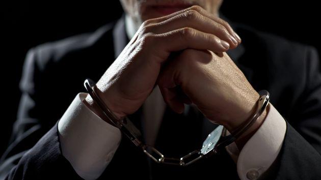 Μαφία φυλακών σε γνωστό δικηγόρο: «Δώσε τα λεφτά, γιατί θα σε σφάξω σαν