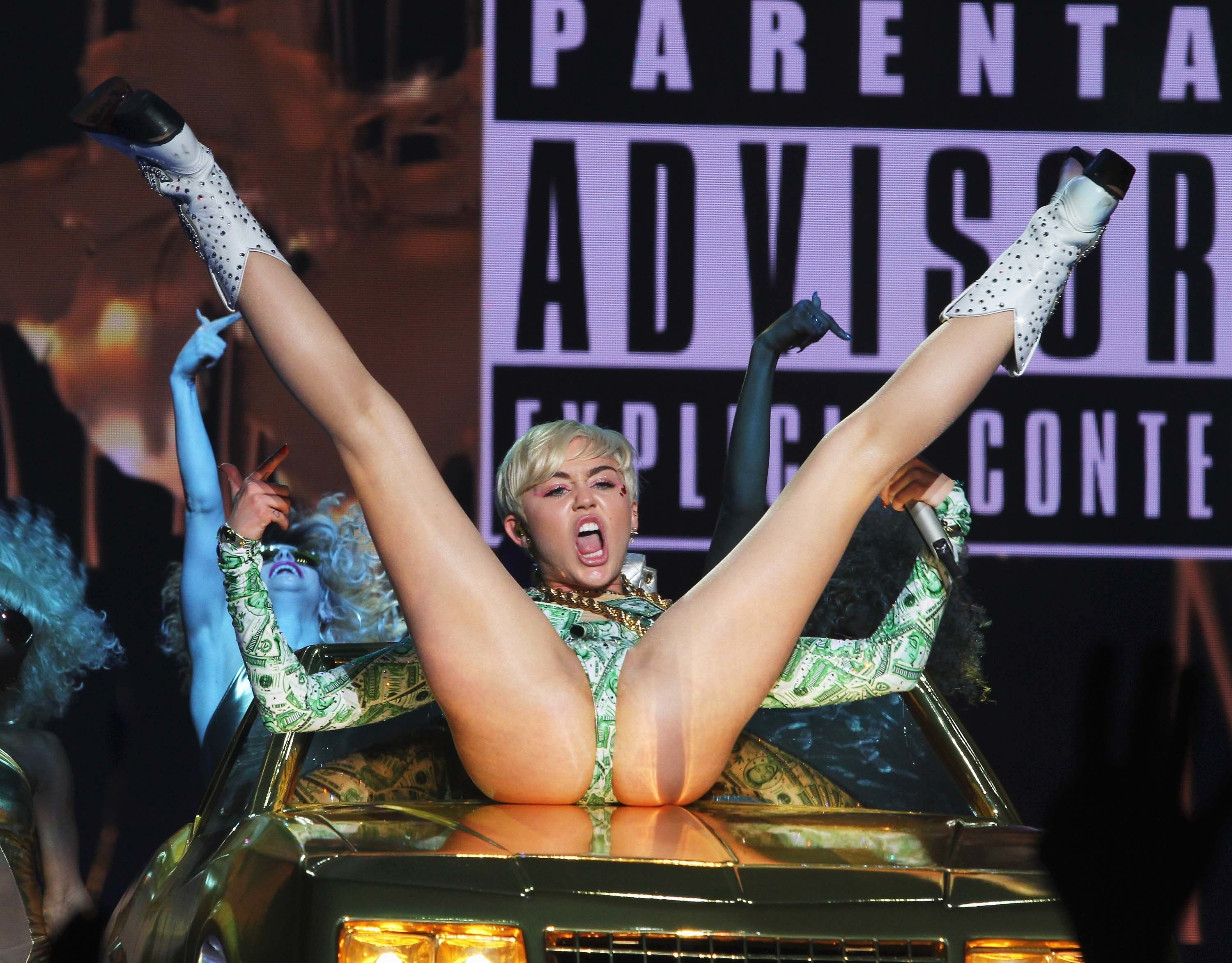 DUBLIN, IRELAND - MAY 20:  Miley Cyrus performs at the 02 on May 20, 2014 in Dublin, Ireland.  (Photo by Phillip Massey/WireImage)
